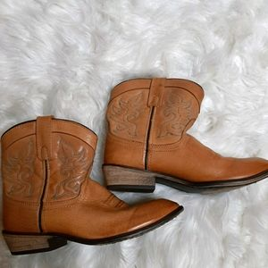 - Dingo leather cowgirl boots